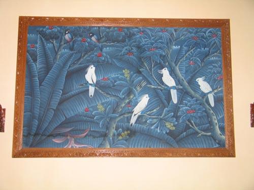 部屋の鳥の絵